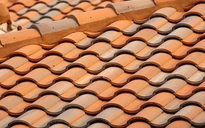 Tout savoir sur le nettoyage de toiture